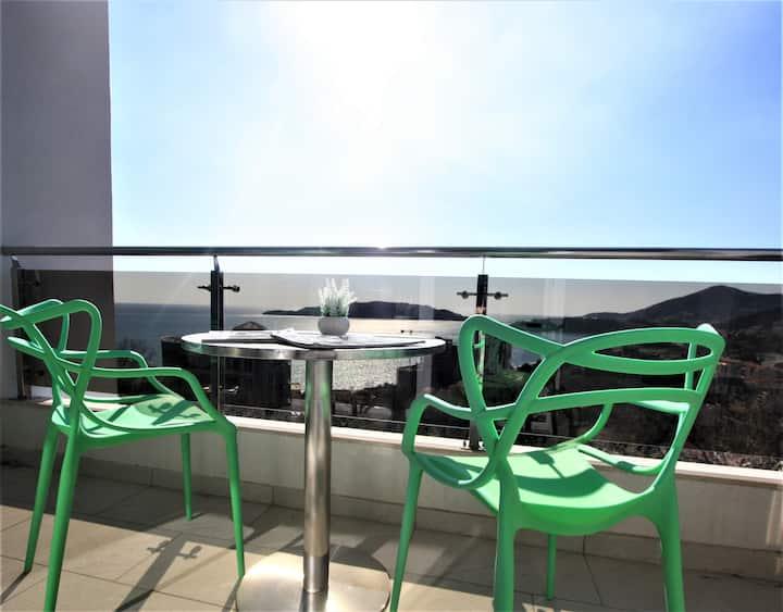 Sea View Apartment in Rafailovici