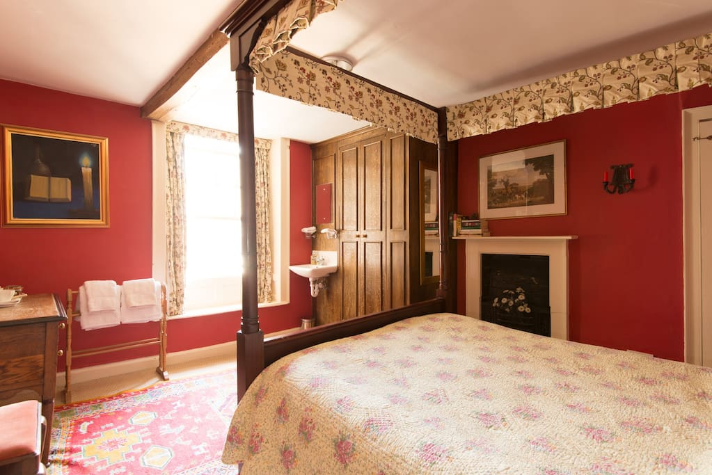 Red room - we also have a cot or single bed for this room to make a family room