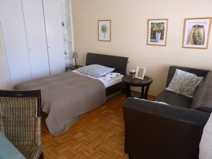 18: möbliertes Apartment in super Lage!