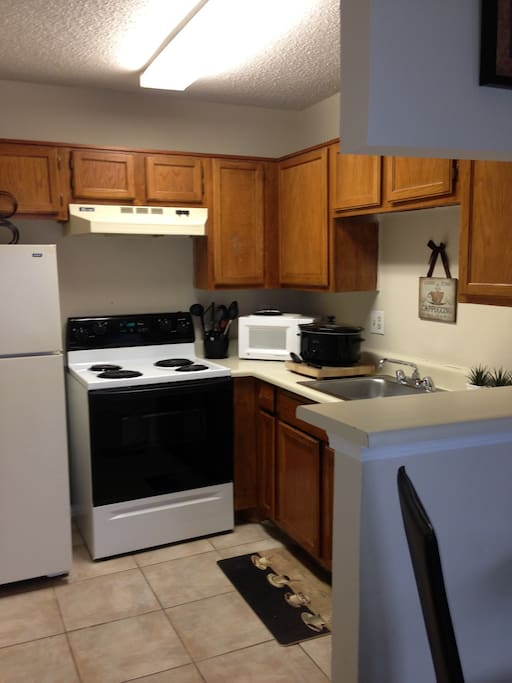 Full size kitchen. Turn key, everything you need is right here.