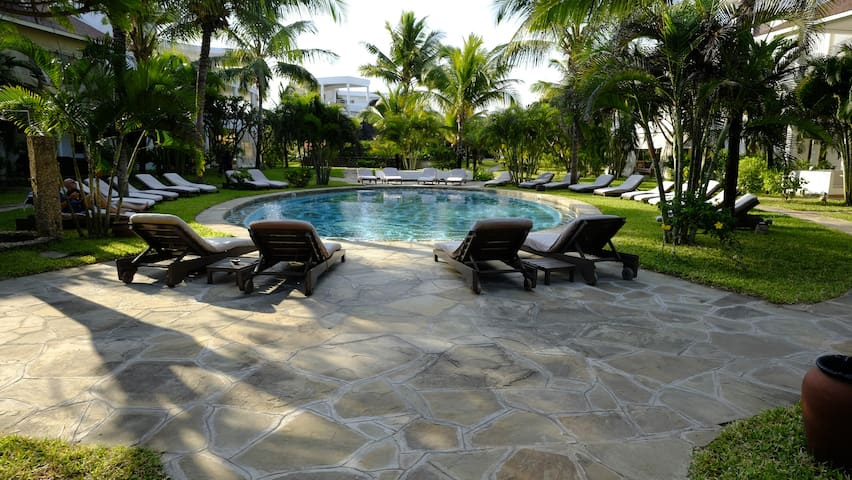 Villa fully serviced in beach front compound