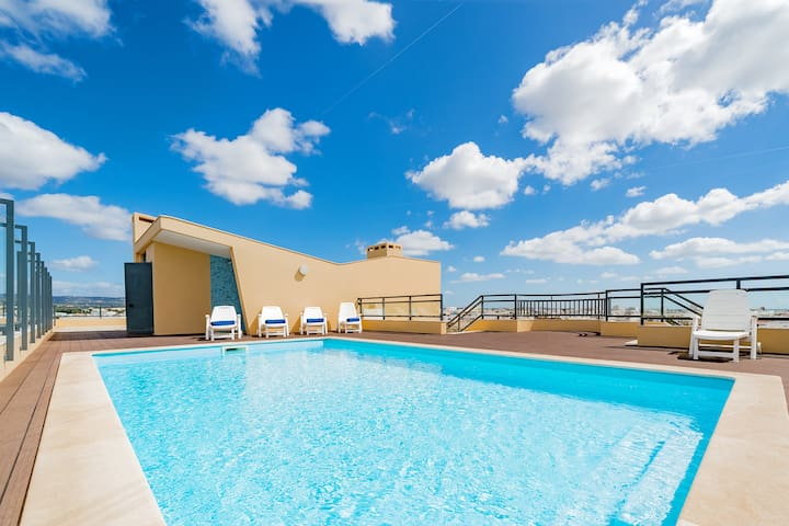 ✨ Modern Apartment in Marina with Pool & Seaview ✨