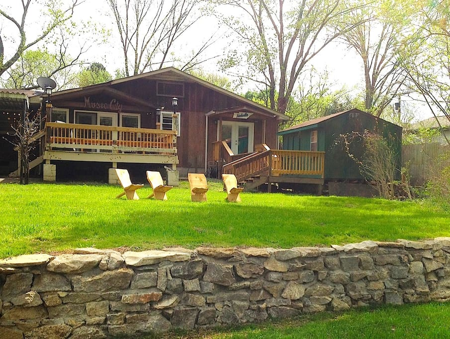 """""""Darlene was an excellent host for our group of friends during CMA week. The house was clean, cozy and perfect for our group of 10. We enjoyed the private backyard and access to the creek along with the back deck! We'd love to visit again next time we stay in Nashville. """" _KATIE  June 2015"""