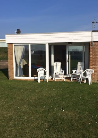 Beachside holiday home, quiet area! - Southampton