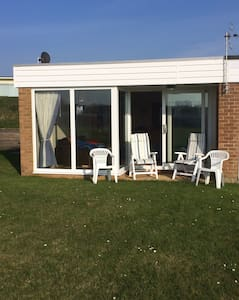 Beachside holiday home, quiet area! - Southampton - Xalet