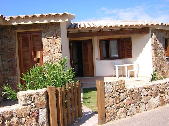 cottage with garden - Murta Maria - Villa