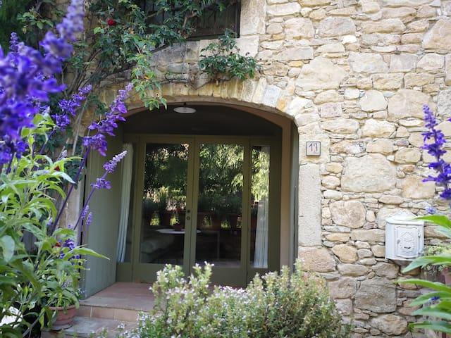 Encantadora casita en Monells