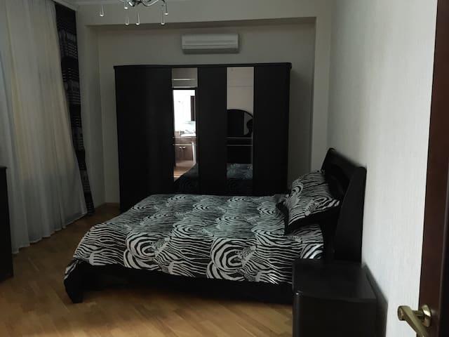 4 rooms apartment-freedom square... - Баку - Квартира