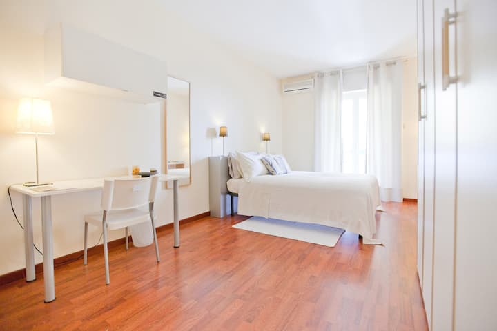 Double Large | Rooms Rent Vesuvio