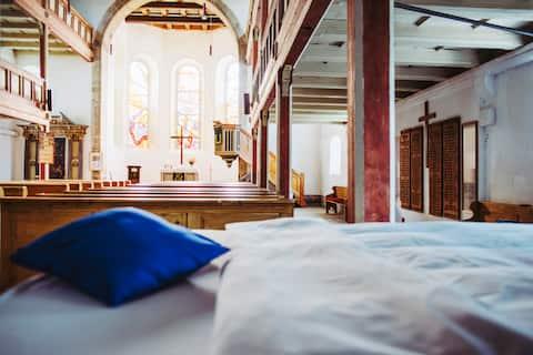 Her(r)bergskirche - das besondere Schlaferlebnis!
