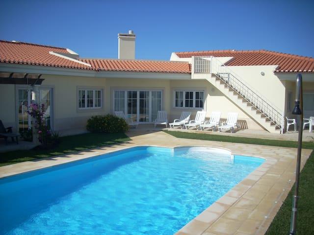Luxury 6 Bedroom Oceanfront Villa - Foz do Arelho - Villa