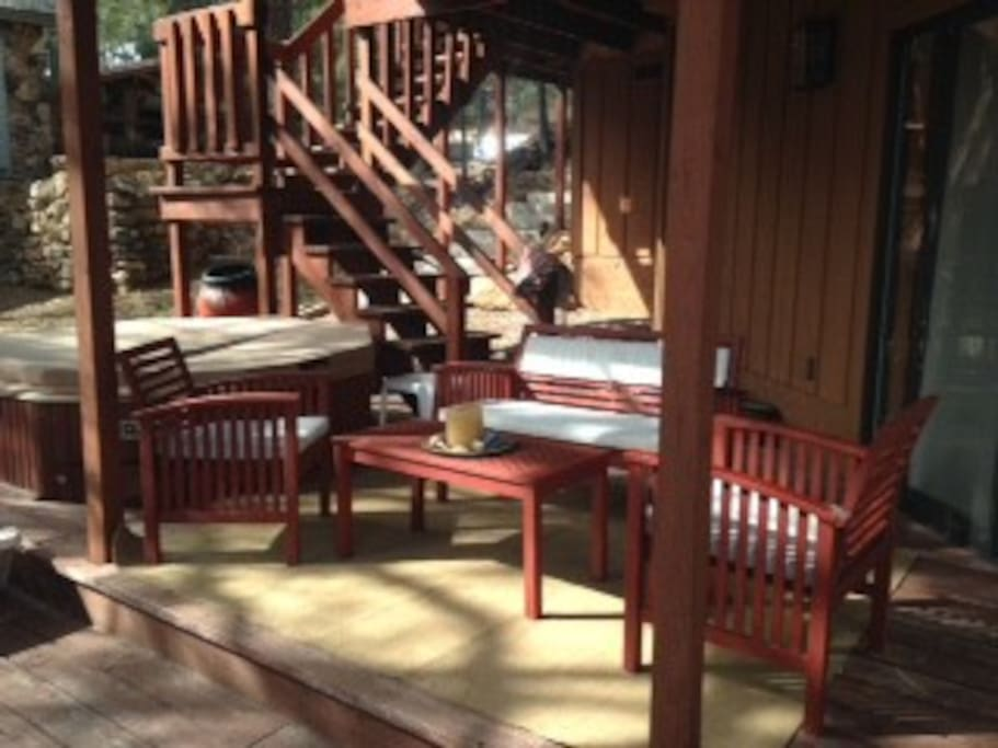 downstairs deck and jacuzzi off of bedroom