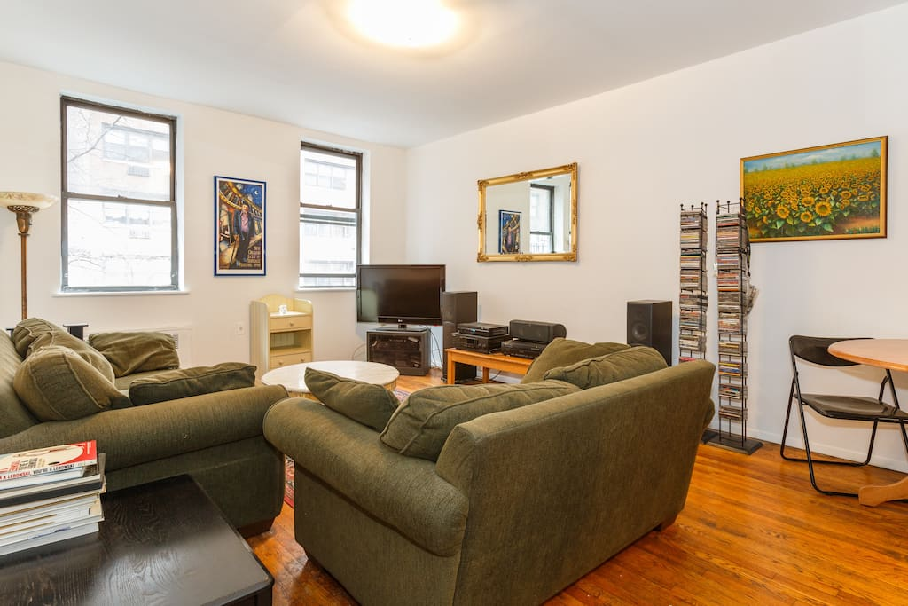 Very spacious and super comfortable living room with a large flat screen TV. Turbo Wifi and HBO. Great place to chill after a day of exploring the City