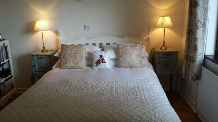 Charming spacious room