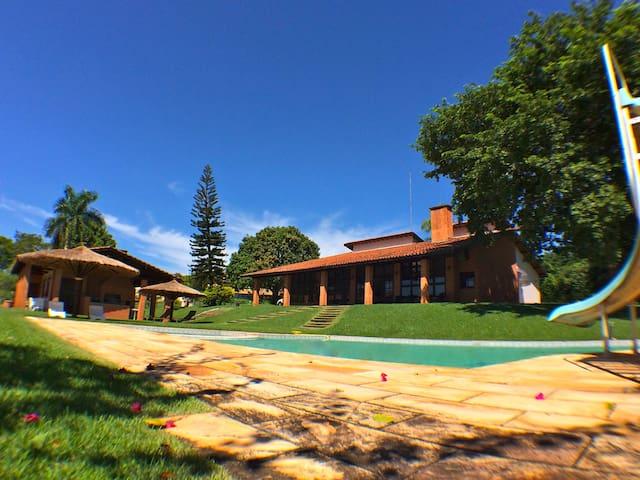 House with Club Structure in Holambra/Jaguariúna - Jaguariúna - Srub