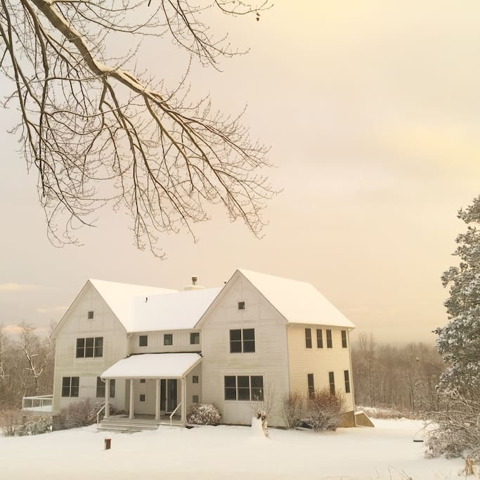 Welcome to The Mohonk View Farmhouse!