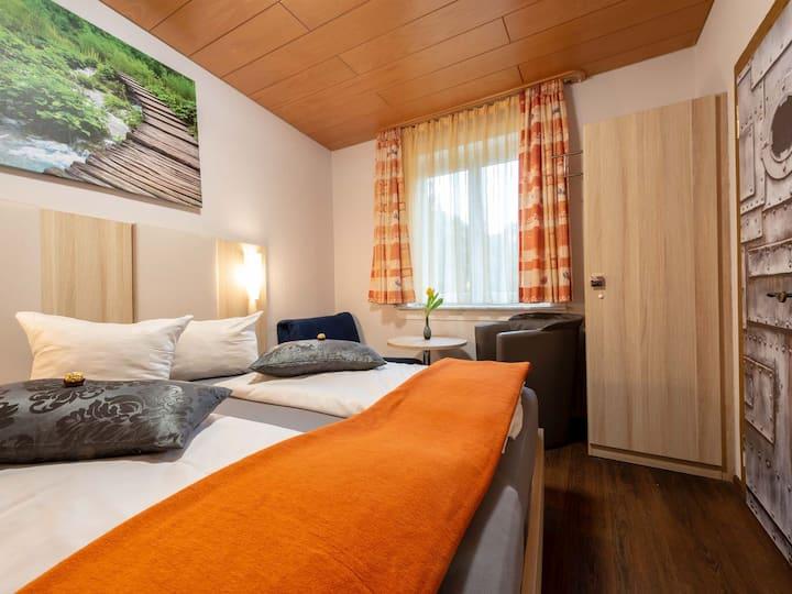 Hotel Seerose Lindau, (Lindau am Bodensee), Doppelzimmer mit WC und Dusche