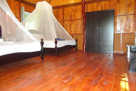 Jungle Hill Beach Bungalow Kohjum - Koh Jum - บังกะโล