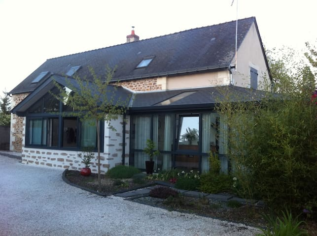 Maison de charme à St Rémy - Saint-Rémy-la-Varenne - Casa