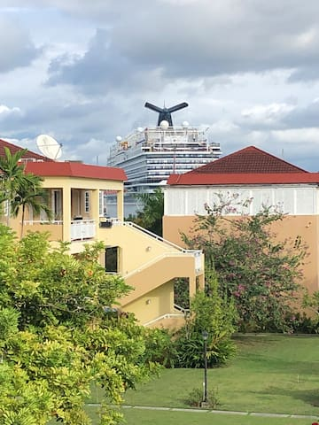 OCEAN VIEW *sleeps 5* in MONTEGO BAY, JA