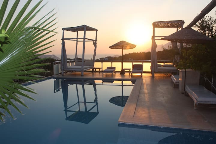 Large Authentic Turkish Villa sleeps 10 people - Kaş - Villa