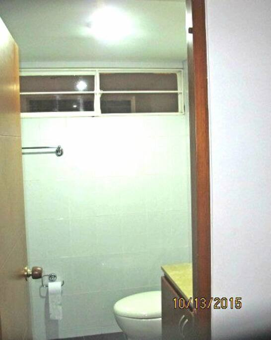 segundo baño auxiliar con ducha