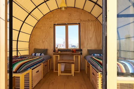 Quonset Hut at Blue Sky Center - New Cuyama - Hutte
