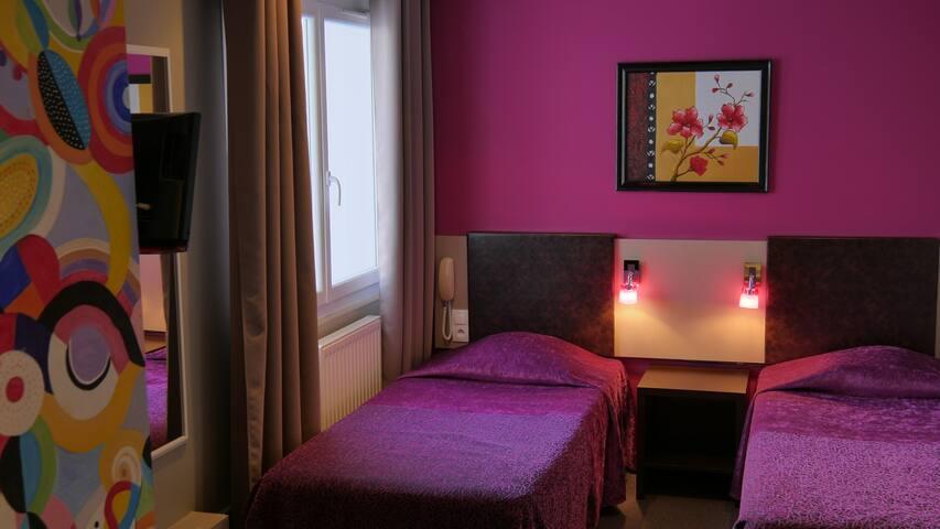 Chambre d'hôtel twin, 2 lits simples