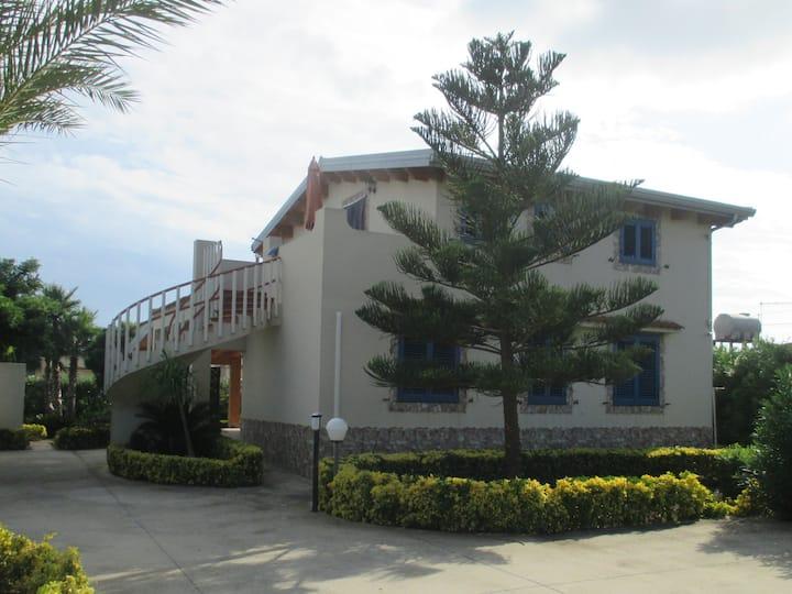Villa Anna Granelli Beach - First Floor Apartment