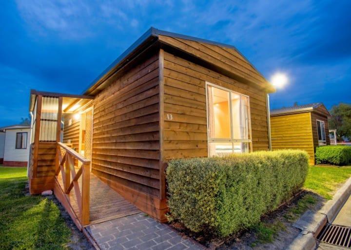 Discovery Parks Hadspen 2 Bedroom Cedar Cabin