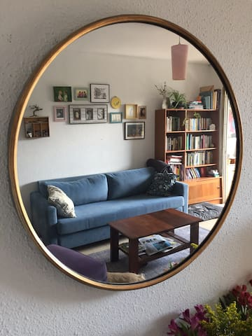 Cozy artists apartment 10 min walk from Eurovision