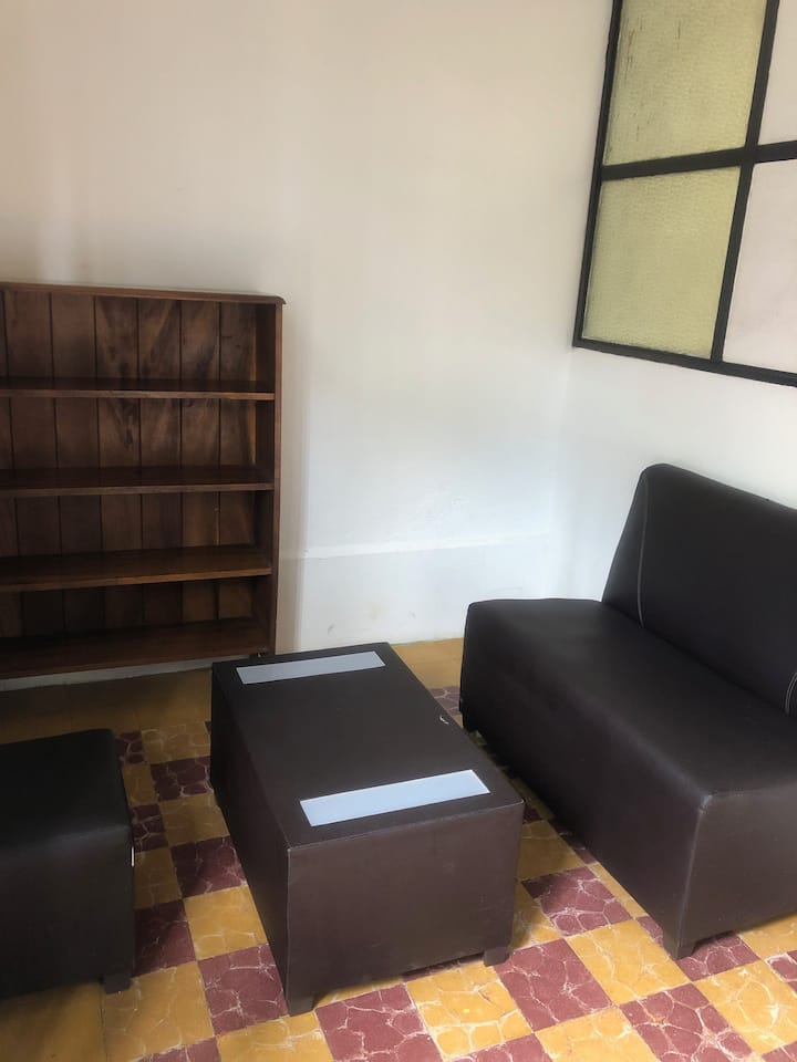 Cómoda habitación a dos cuadras del parque central