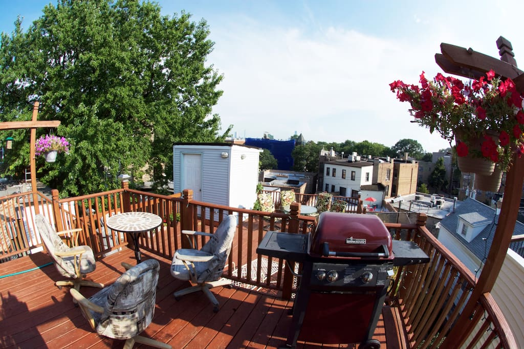 Private roof deck with skyline view