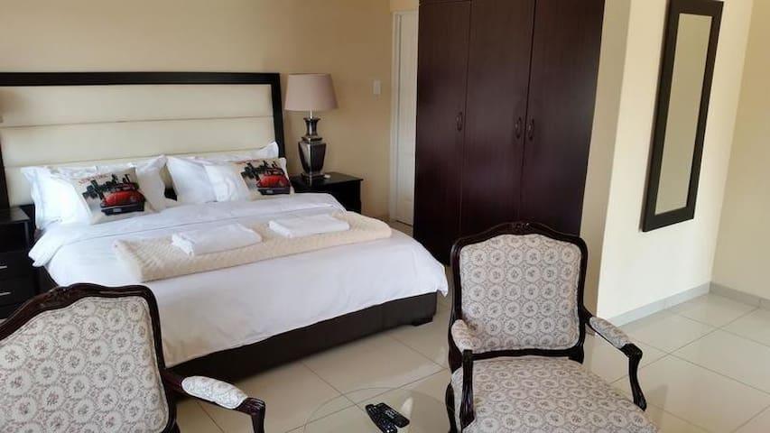 Sollunaa Guesthouse - Deluxe Room