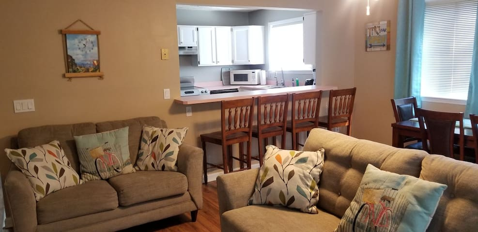 Townhouse near Wrightsville Beach and UNCW
