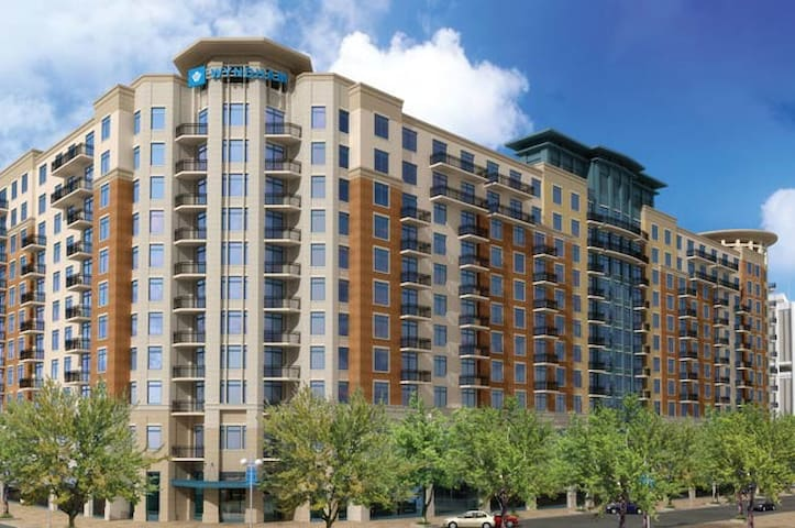 Wyndham National Harbor 2 BR w/balcony Condo - Oxon Hill - Apartment