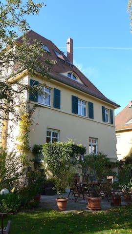 Leipzig:wunderschöne historische Villa, 2-10 Pers.