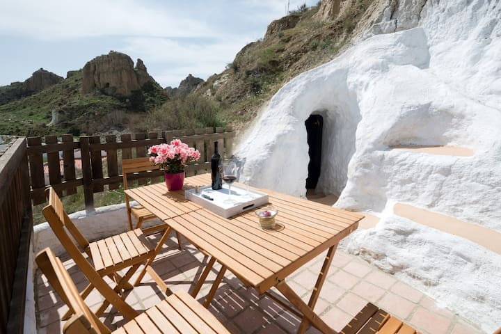 Subterranean style & sweeping views - Guadix