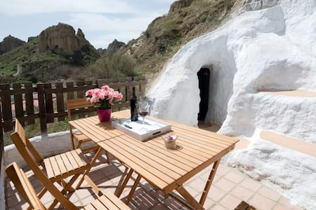 Subterranean style & sweeping views - Guadix - Höhle