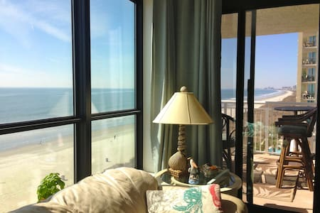 A Room in a beautiful Beach Front Condo! - ノースマートルビーチ