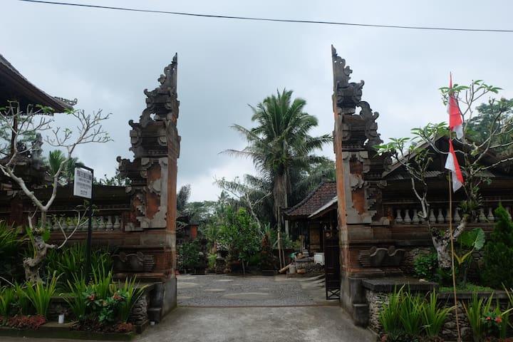 Gunung Kawi House