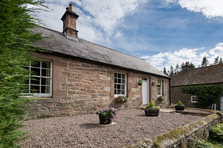 4-Star c19 Cottage on Private Country Estate - Northumberland - Hus
