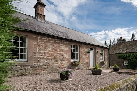 4-Star c19 Cottage on Private Country Estate - Northumberland