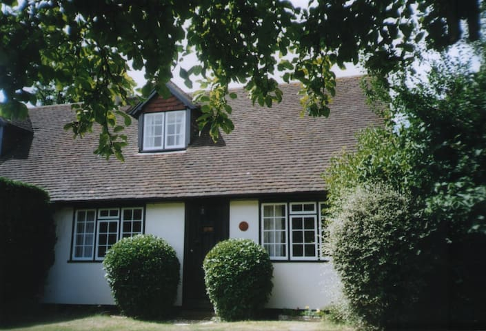 Historic Cosy Country Cottage - Lymington - Ev