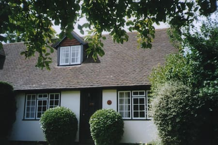 Historic Cosy Country Cottage - Lymington - Rumah