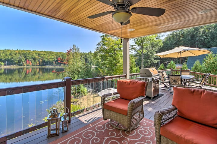 NEW! Waterfront Retreat w/ Boat Dock & Beach Area!
