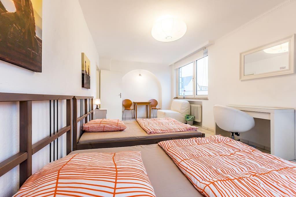 Schlafzimmer/ bedroom