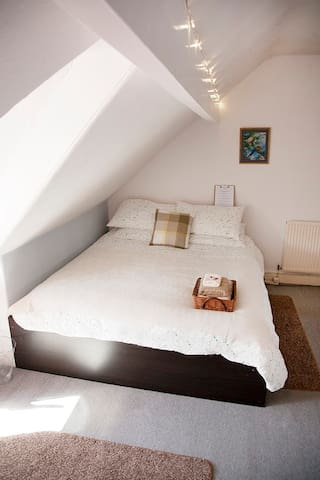 A king size loft bedroom