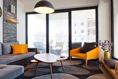 Gorgeous seaview design apartment! - 巴特亚姆 - 公寓