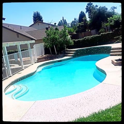 超大泳池,每周清洁,满足您的健身需求!院子里有枣树、柠檬、金桔!